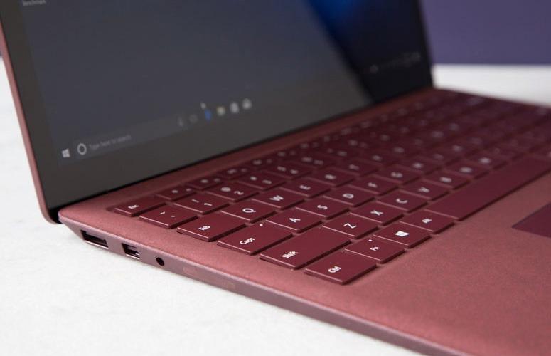 Với 9 điểm này Surface Laptop 2 khiến Fan Apple quay lưng với Macbook