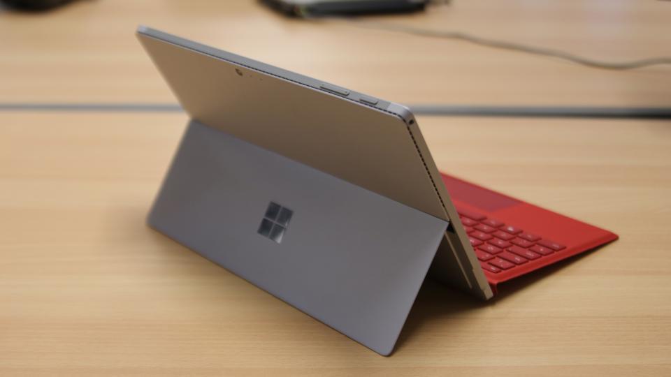 Giá Surface Pro 4 cũ cập nhật tháng 10/2018