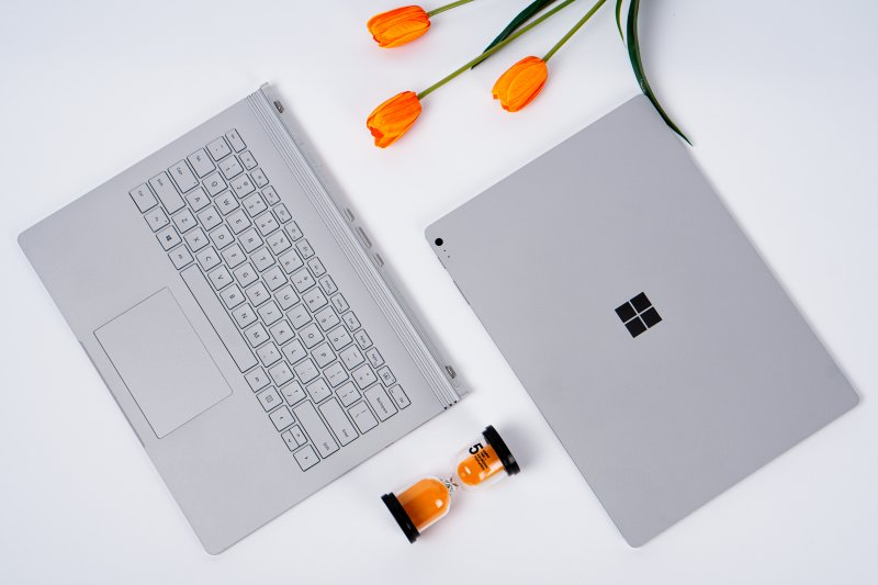 Máy tính Microsoft Surface 01