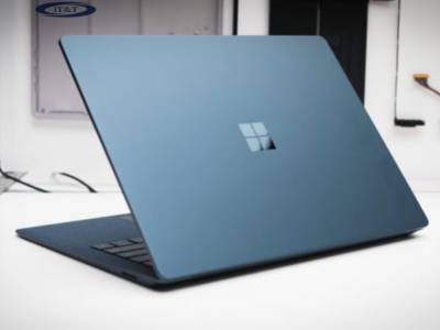 Máy tính Surface Laptop – 5 Lý Do bạn Không Nên Bỏ Lỡ